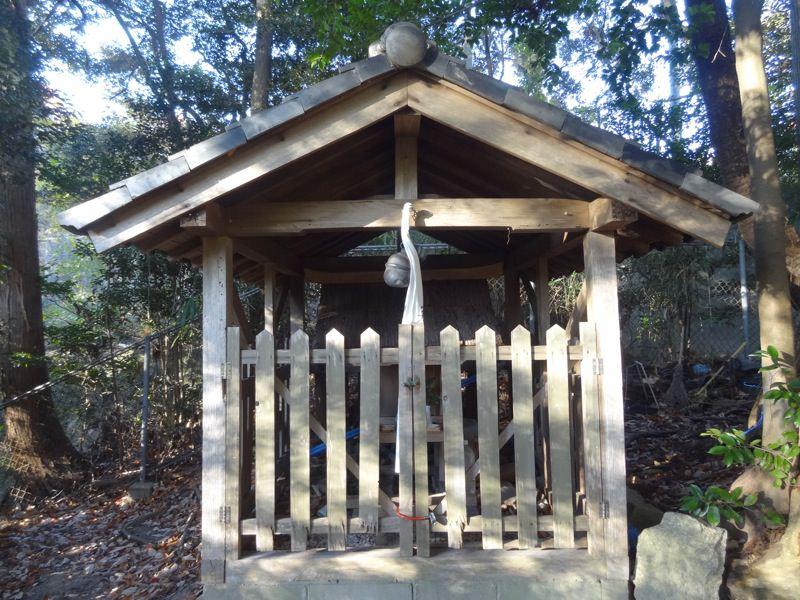 杵宮神社の本殿はこんな感じです