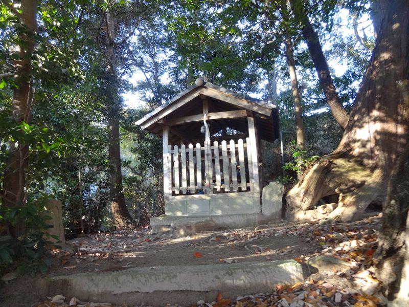 杵宮神社はとても小さな場所でした
