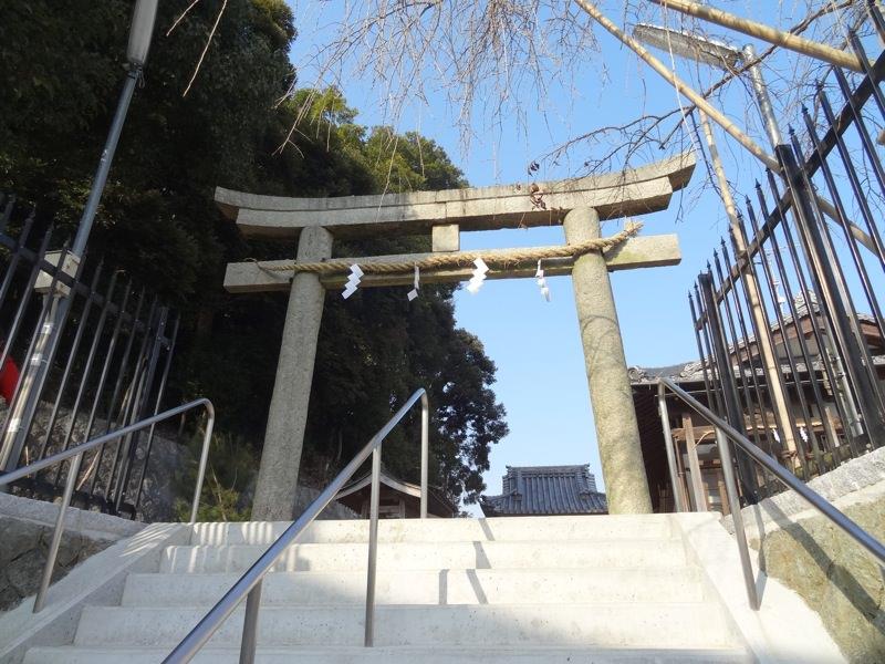 杉尾神社へ向かう階段