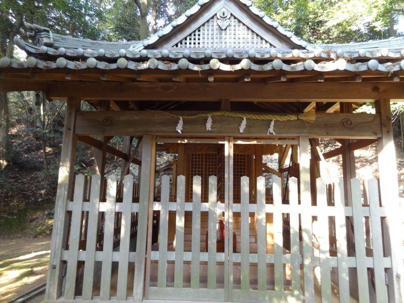 天津彦根神社の本殿