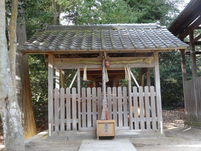 小部大歳神社の建物