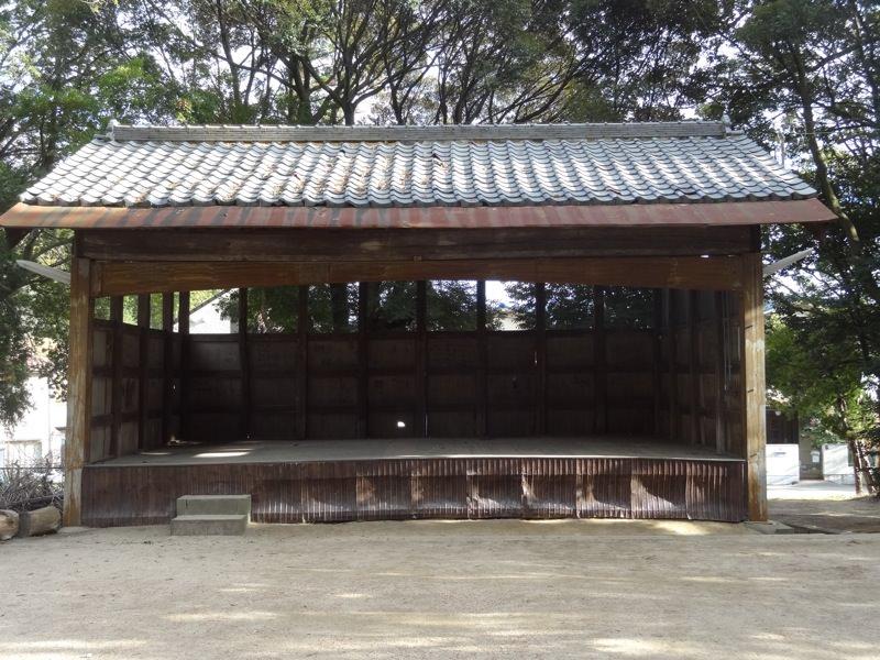 小部大歳神社にある農村舞台?