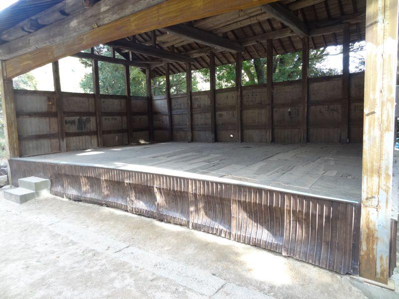 小部大歳神社の農村舞台と思われる舞台