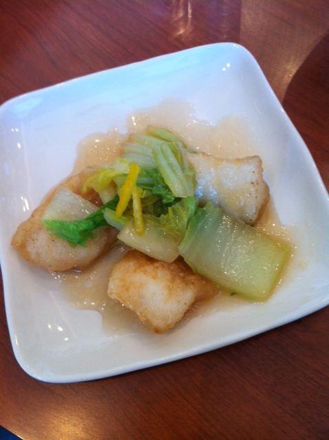 パスタンカフェの白身魚と白菜のあんかけのせ