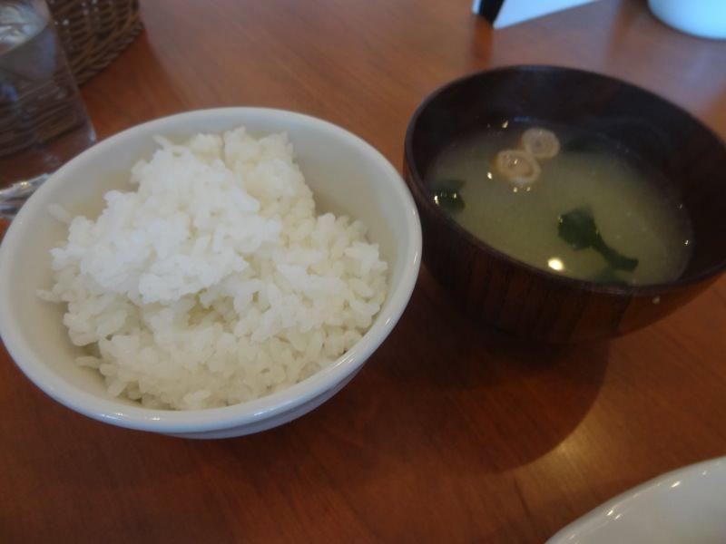 パスタンカフェのご飯と味噌汁