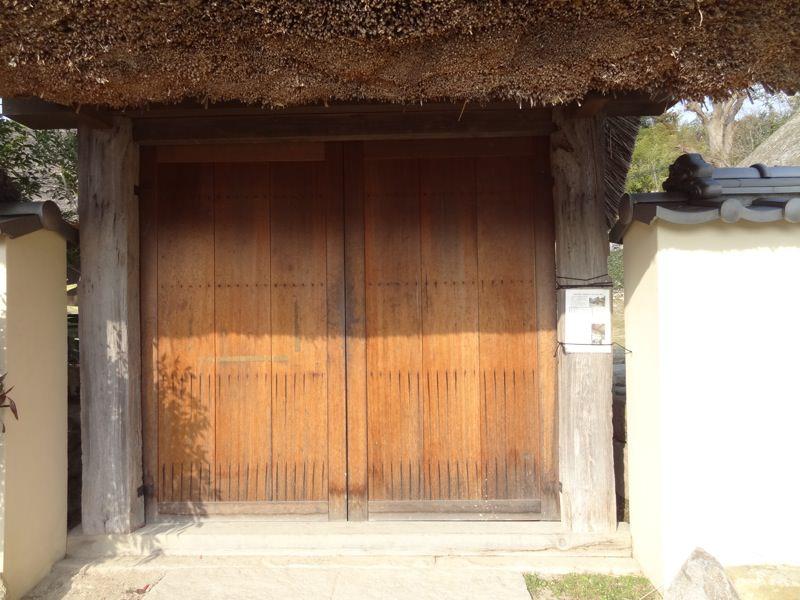 内田家の扉を正面から見た図