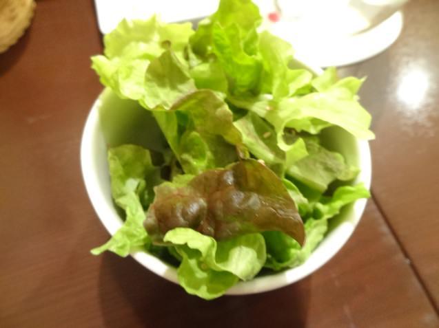 ピースドラパンのサラダと