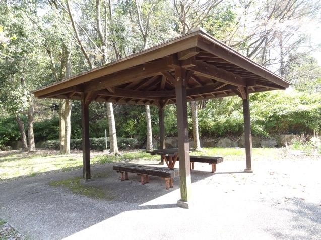 岡場公園のベンチ