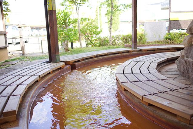 足湯八多温泉の水質