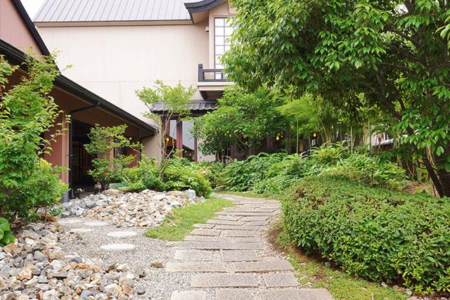 北神戸ぽかぽか温泉のお庭