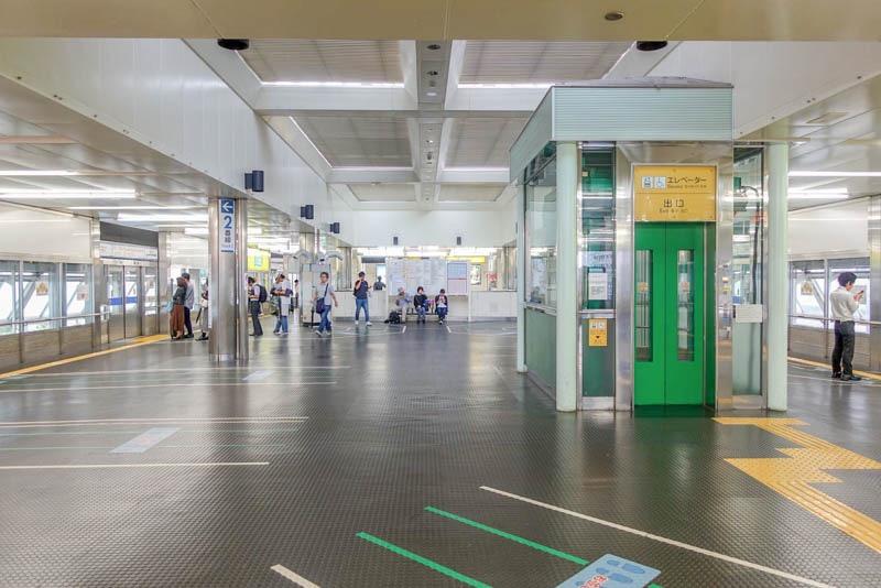 ポートライナー三宮駅   ホーム